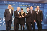 From left to right: Prof. Dr. Alfonso C. Casal, Scientific Director of BID, Jose E. Prieto, President and CEO of BID, Elsa Basile, Editorial Director of CCN - Call Center News, Alejandro Rey, Director of CCN - Call Center News, Norman Ingle, President of the Quality Mix and Devin Savage, Head of Quality Research.
